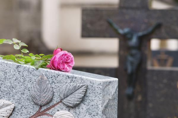 Inhumation à Bruxelles, la Louvière